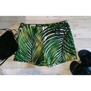 Worthington Palm Leaf Shorts NWT